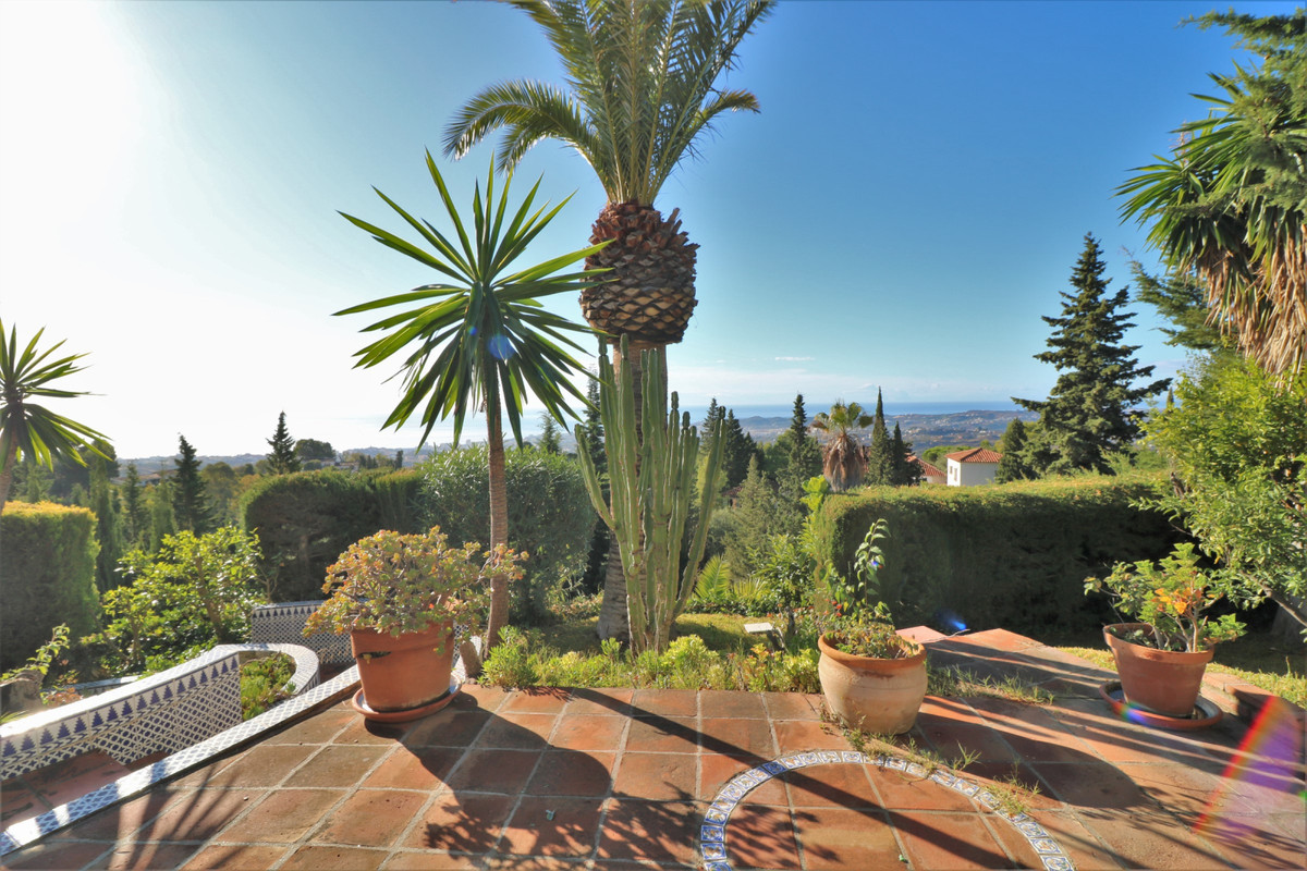 Detached 4 bedroom villa built on an elevated plot of over 2,360 m2 with panoramic views and a wonde,Spain