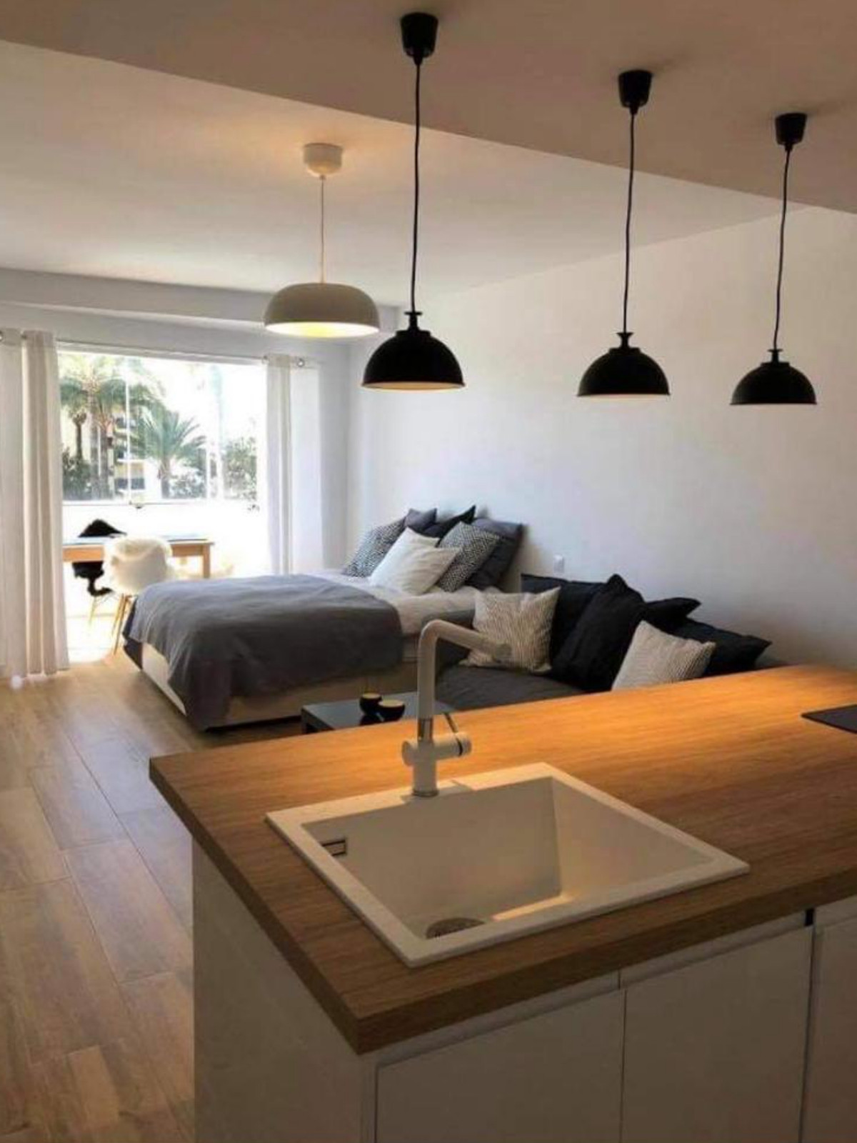 Opportunity: Magnificent recently renovated studio located in the heart of Torremolinos, Malaga, wit, Spain