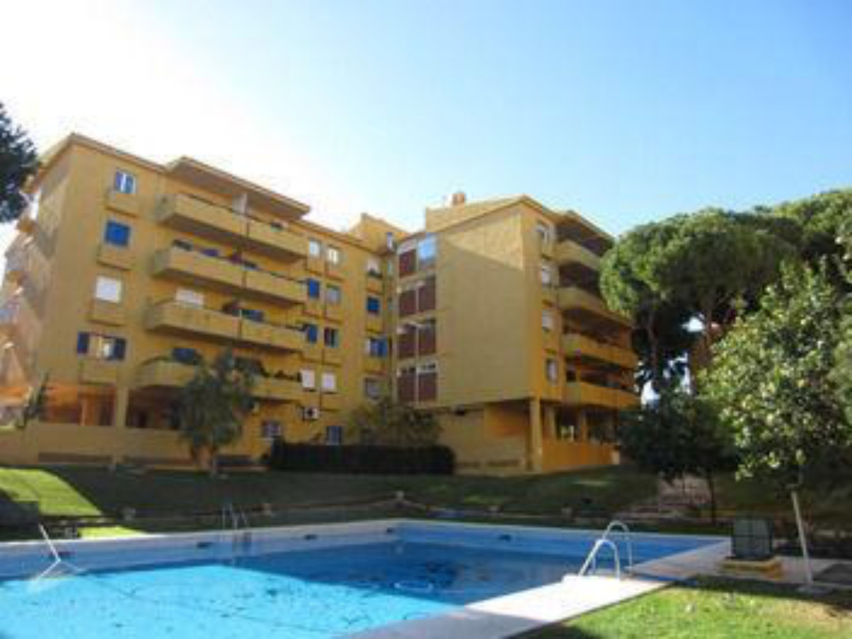 Apartment on 2nd floor with elevator of 76 m2 built, located in gated community with gardens and poo, Spain