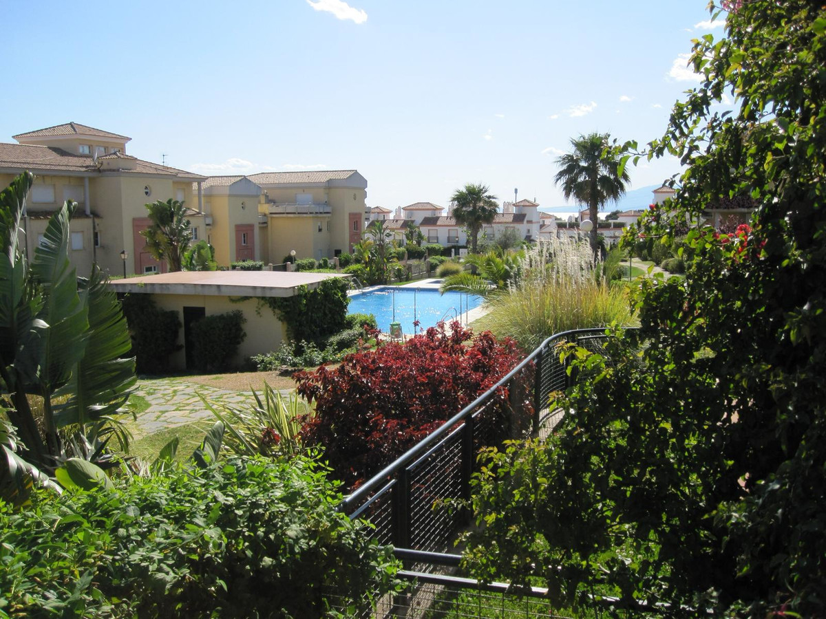 PRICE REDUCTION  FOR QUICK SALE  Magnificent ground floor apartment that enjoys a small private gard,Spain