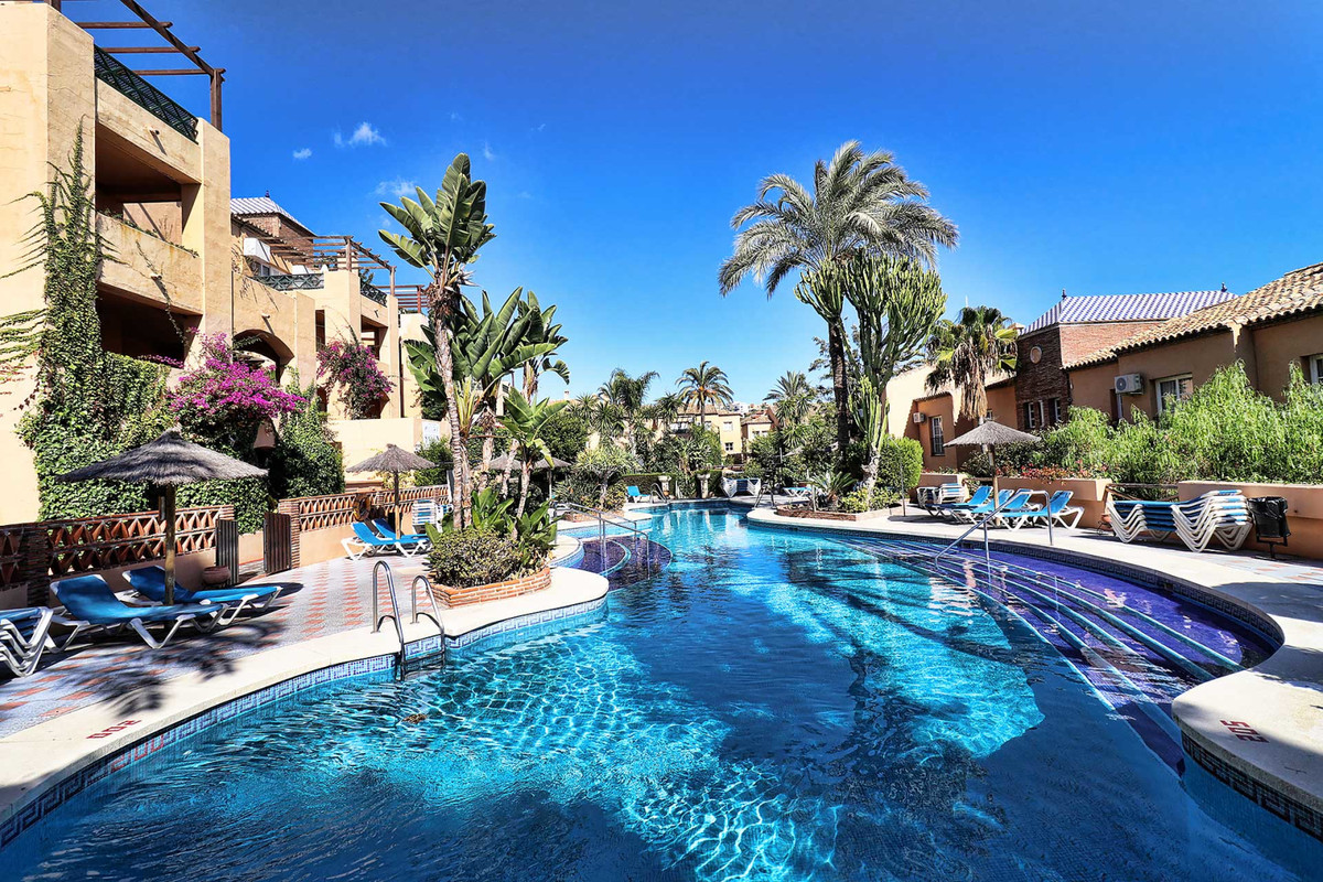 Opportunity! Magnificent First Floor One Bedroom Apartment in a Holiday Resort with magnificent gard,Spain