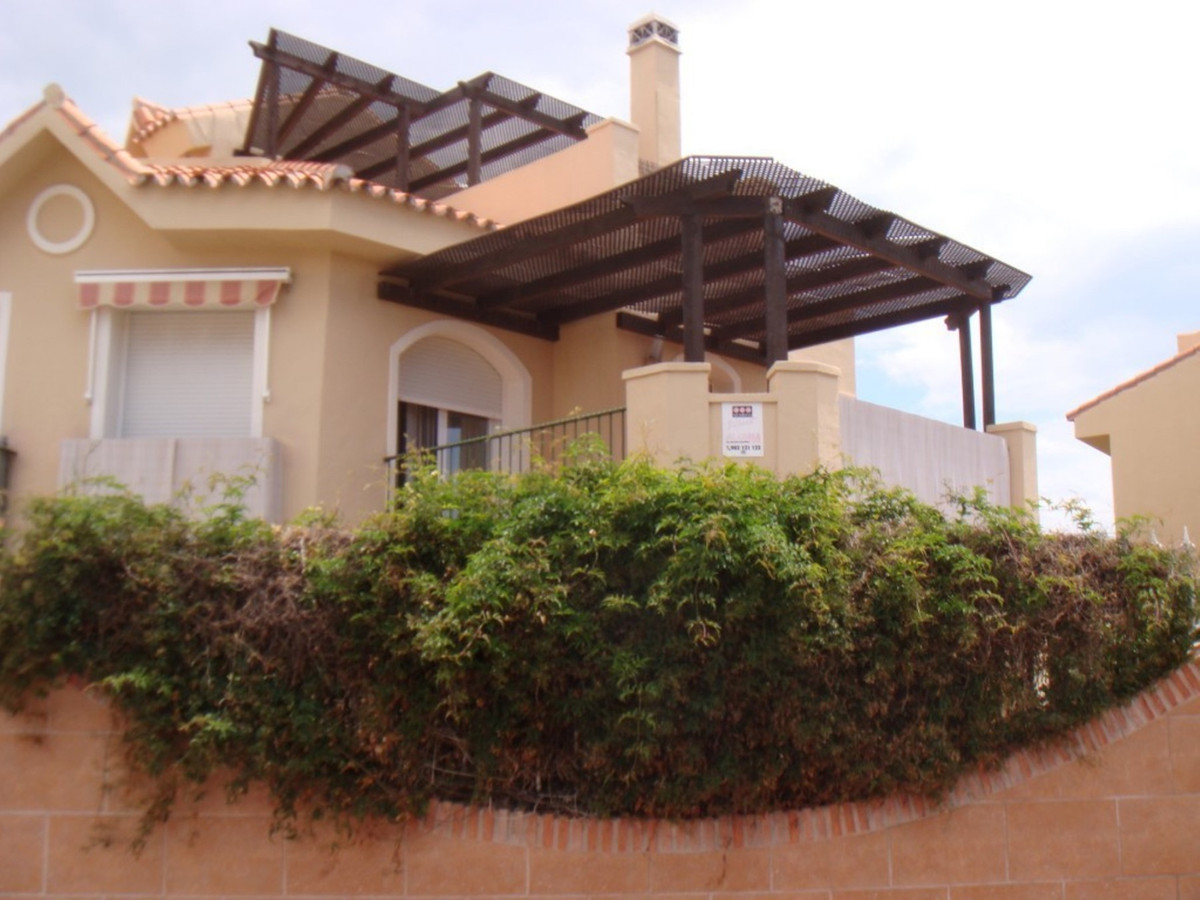 Great villa with 3 bedrooms and 3 bathrooms  of 134m2 built on a plot of 221m2, with  3 terraces and, Spain