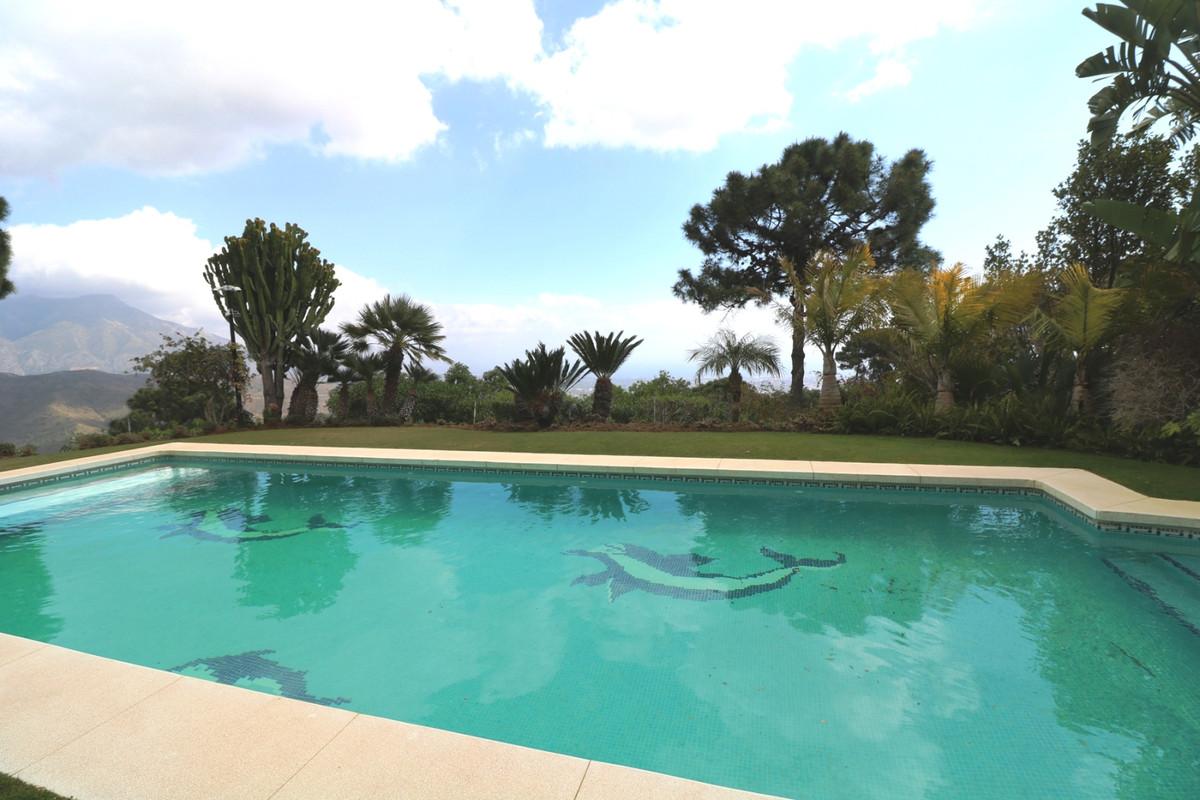 Villa – Chalet en Venta en La Zagaleta – R3448108