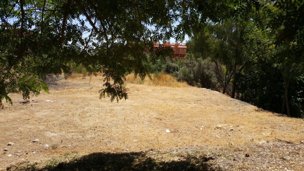 Plot in Las Chapas 2300m2. Due to its access to La Reserva de Marbella there is a project to build ,Spain