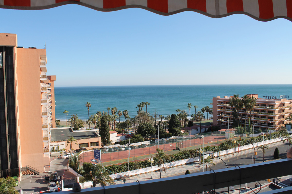 Great apartment with  3 bedrooms and 2 bathrooms located in Benalmadena Costa surrounded by all kind,Spain
