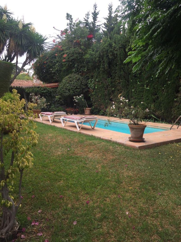 Villa – Chalet en venta en Málaga – R2962409