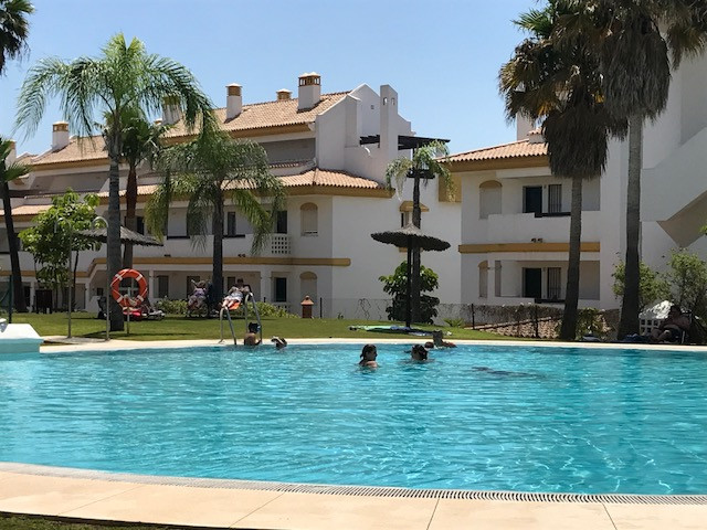 Magnificent apartment with 2 bedrooms and 2 bathrooms located in a well maintained, safe and quiet U, Spain
