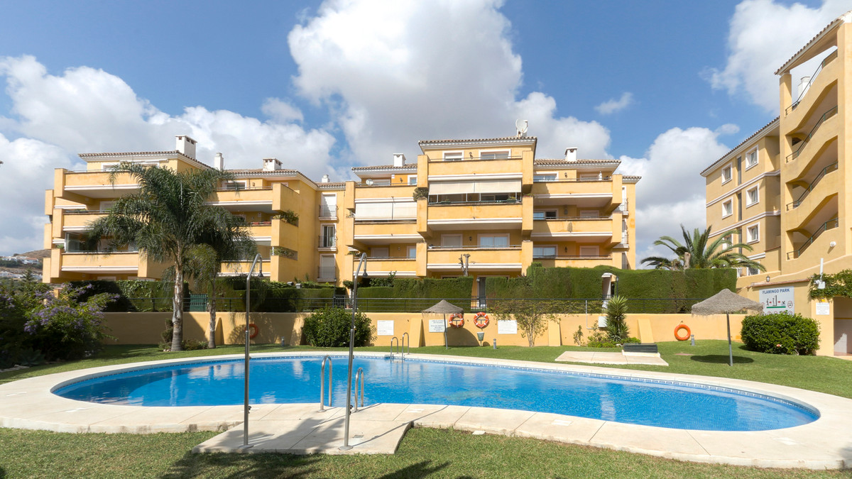 Nice and spacious ground floor apartment with 3 bedrooms and 2 bathrooms located inside a gated comp,Spain