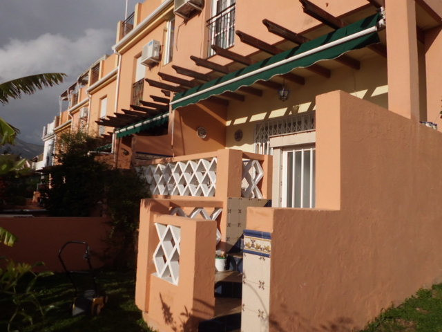 Semi-detached house in the corner unit, in El Coto. It consist of 4 bedrooms, 2 bathrooms and a gues, Spain