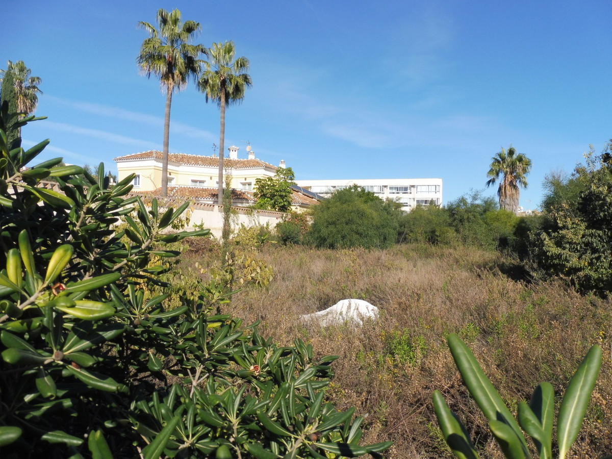 Exclusive residential plot close to Puerto marina and the beach. 1250 m2. Best plot in the area., Spain