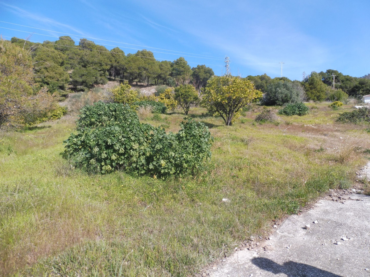 Magnificent Urban Plot with the possibility of building 11 terraced houses. Panoramic views of the s, Spain