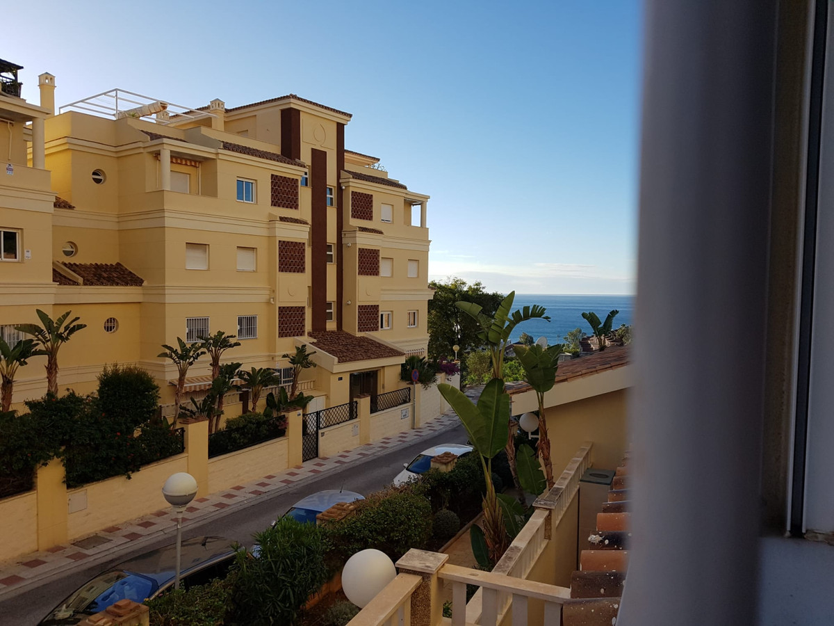In one of the best areas of Benalmadena, just a few meters from the sea, you can find this spacious ,Spain