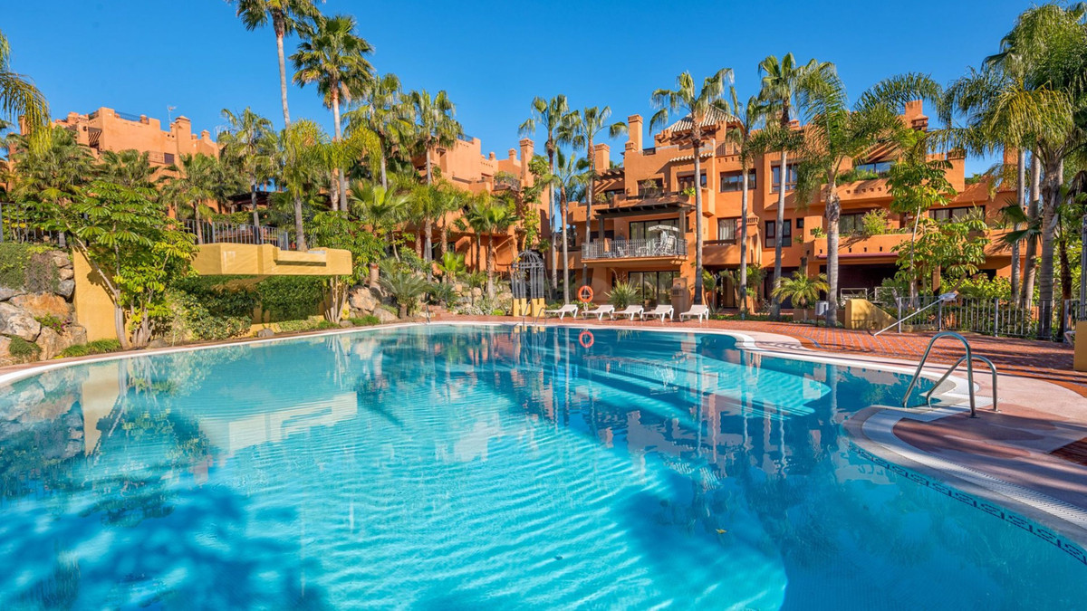Luxury three bedroom apartment located in a gated complex within short walk to the beach in Puerto B,Spain