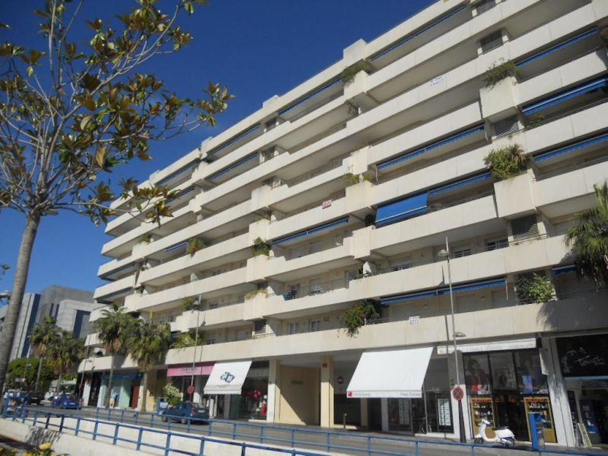 0 Bedroom Commercial For Sale, Puerto Banús