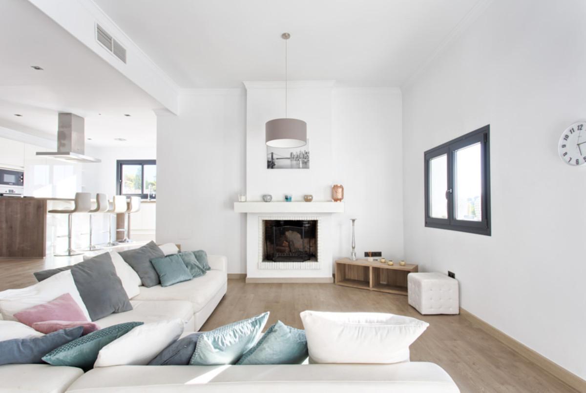 Villa – Chalet en Venta en New Golden Mile – R3640118