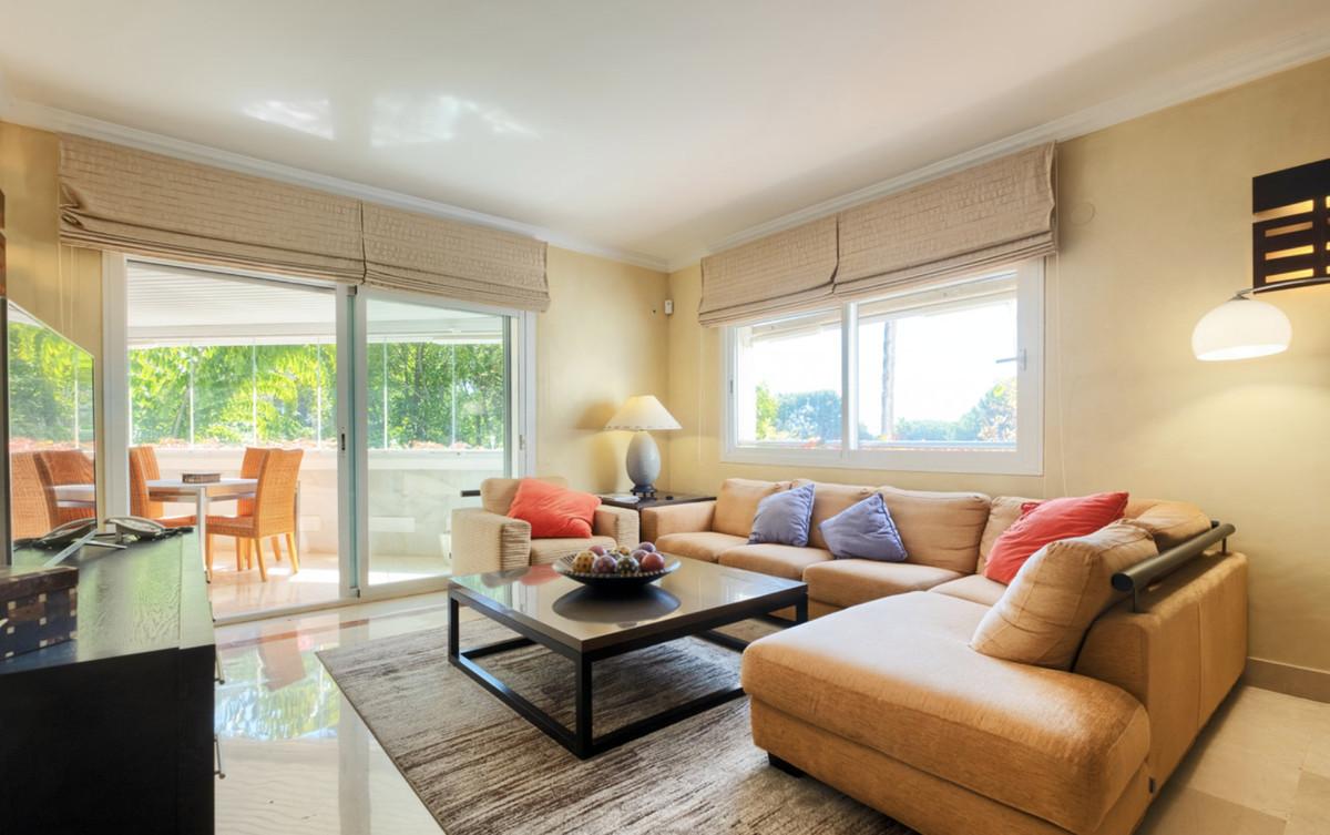 Apartamento Planta Media en Venta en The Golden Mile – R3738826