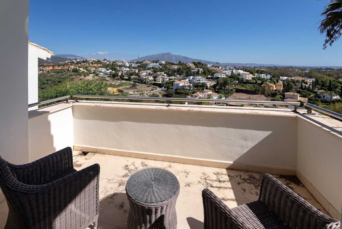 Penthouse for sale in El Paraiso