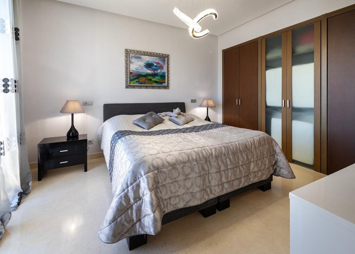 R3632747 | Penthouse in El Paraiso – € 1,045,000 – 3 beds, 3 baths