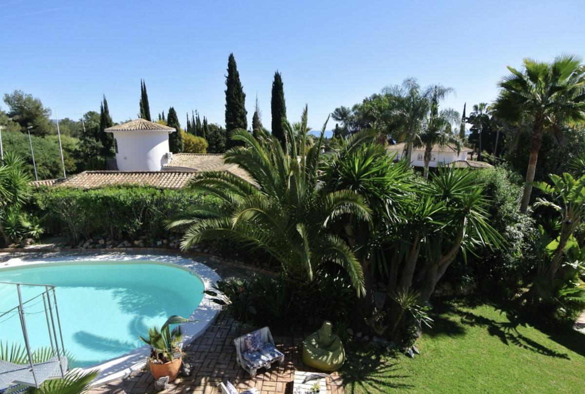 Marbella Banus Villa – Chalet en Venta en Nagüeles – R3640079