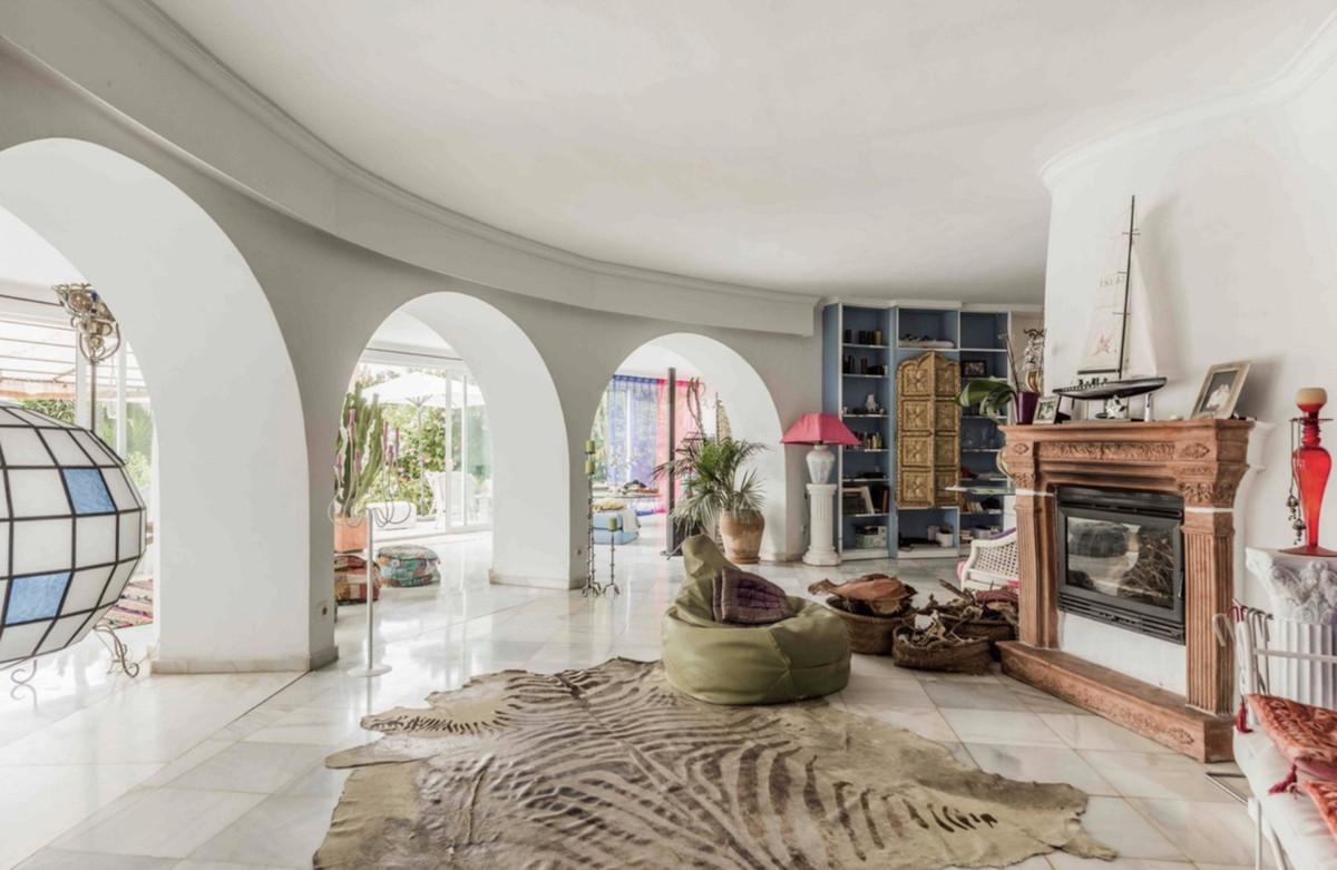 Villa – Chalet en Venta en Nagüeles – R3640079