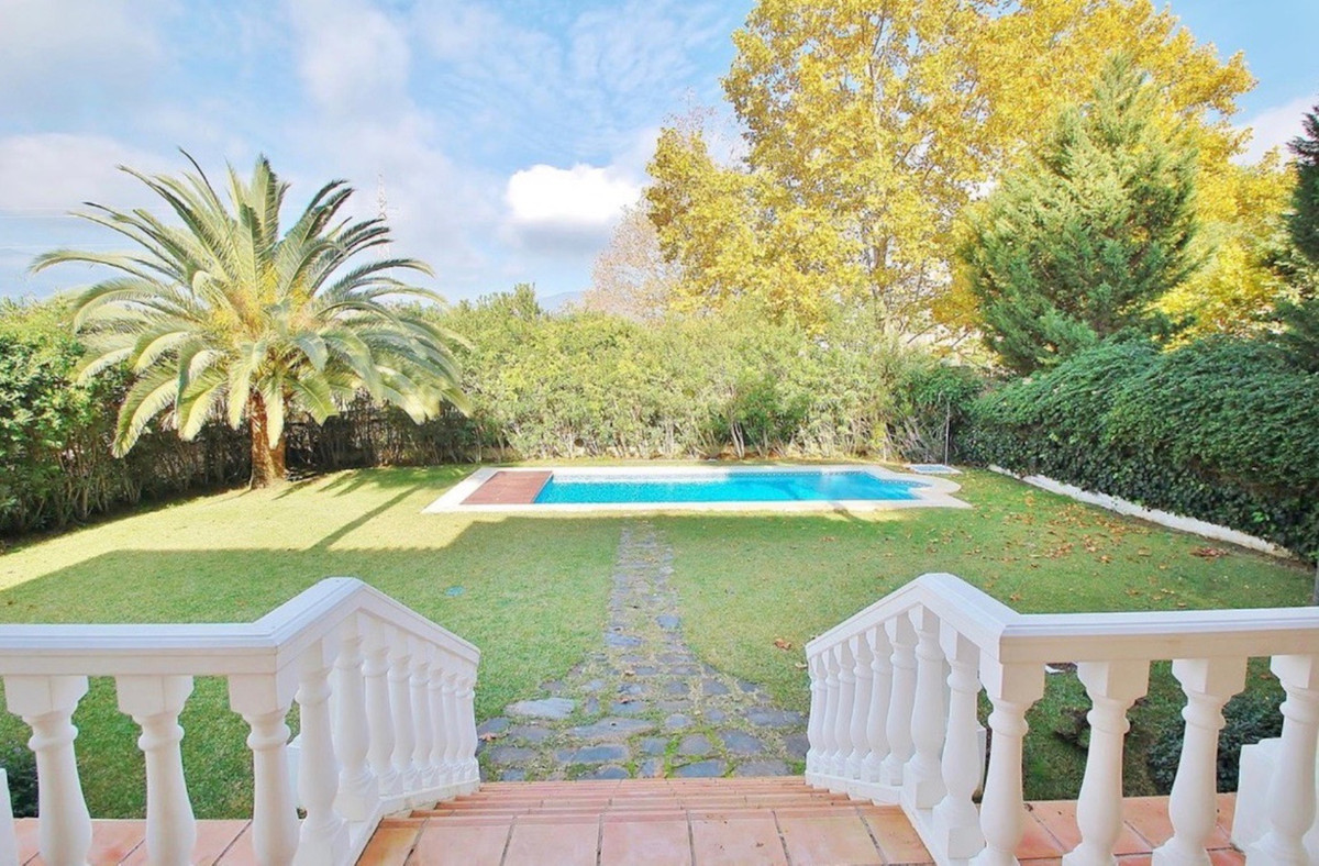 Elegant villa located in one of the best residential areas close to Nueva Andalucia and Puerto Banus, Spain
