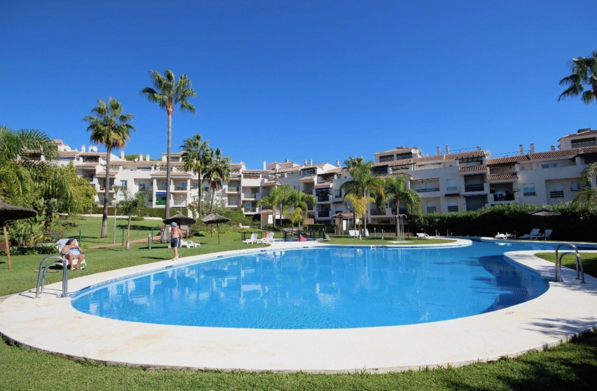 Spacious and bright apartment, it is an investment opportunity as for usual residence, residence forSpain
