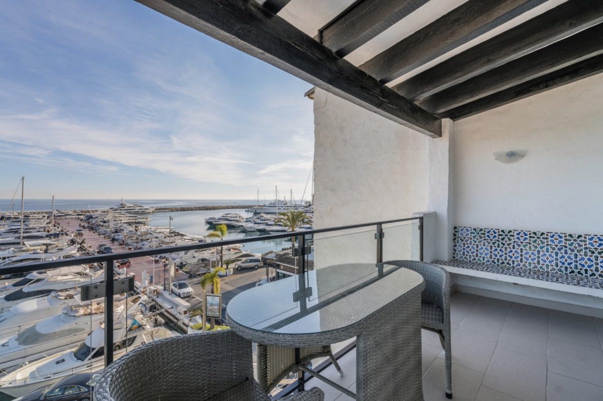 1 Bedroom Penthouse Apartment For Sale Puerto Banús
