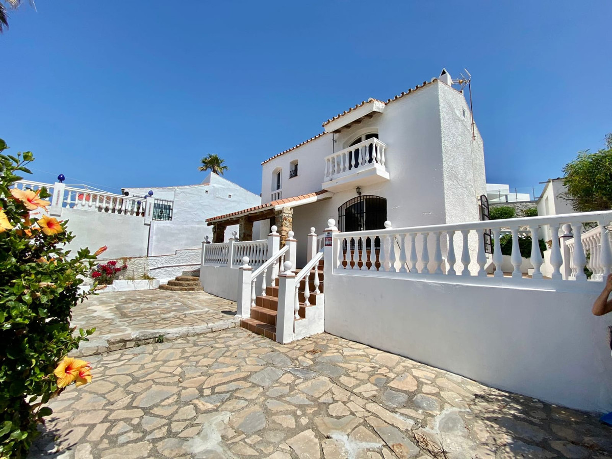 Unique property with stunning panoramic sea views to Gibraltar and Africa.  Andalusian style villa l,Spain