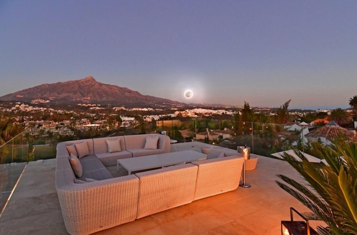 Marbella Banus Villa – Chalet en Venta en Nueva Andalucía – R3532768
