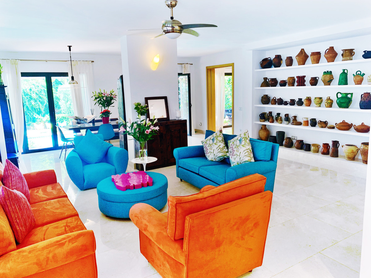 7 Bedroom Detached Villa For Sale Nueva Andalucía