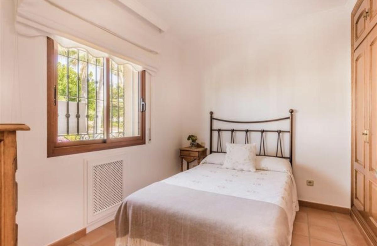Villa – Chalet en Venta en Cortijo Blanco – R3521029