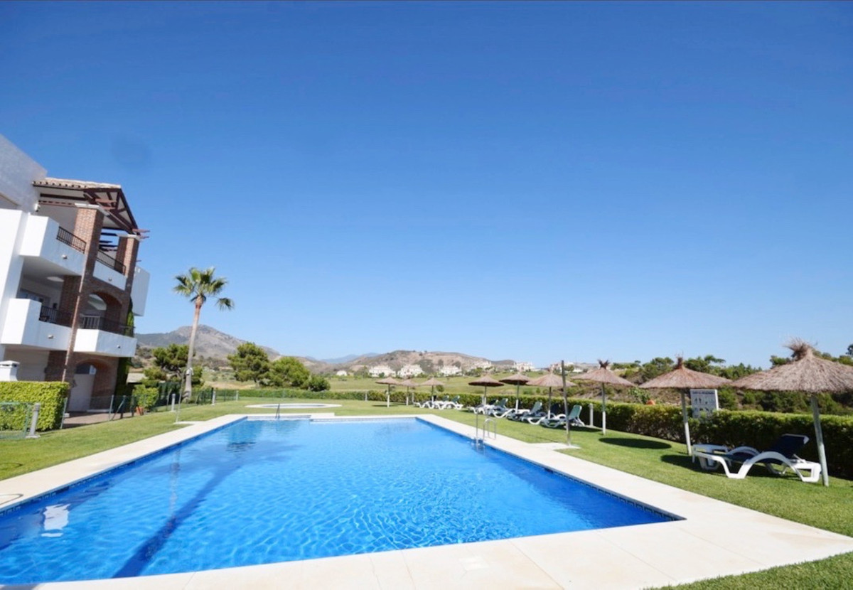 Fantastic ground floor apartment located in a private urbanization with communal pool and gardens. T, Spain