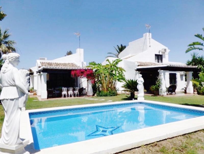 Marbella Banus Villa – Chalet en venta en The Golden Mile – R3539239