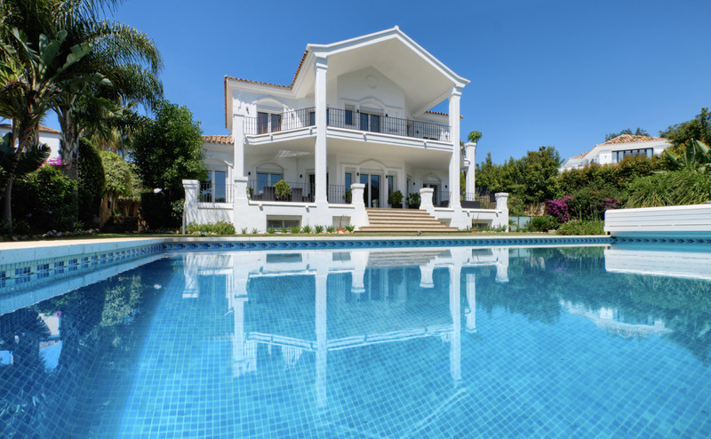 Villas for sale in Puerto Banus 11