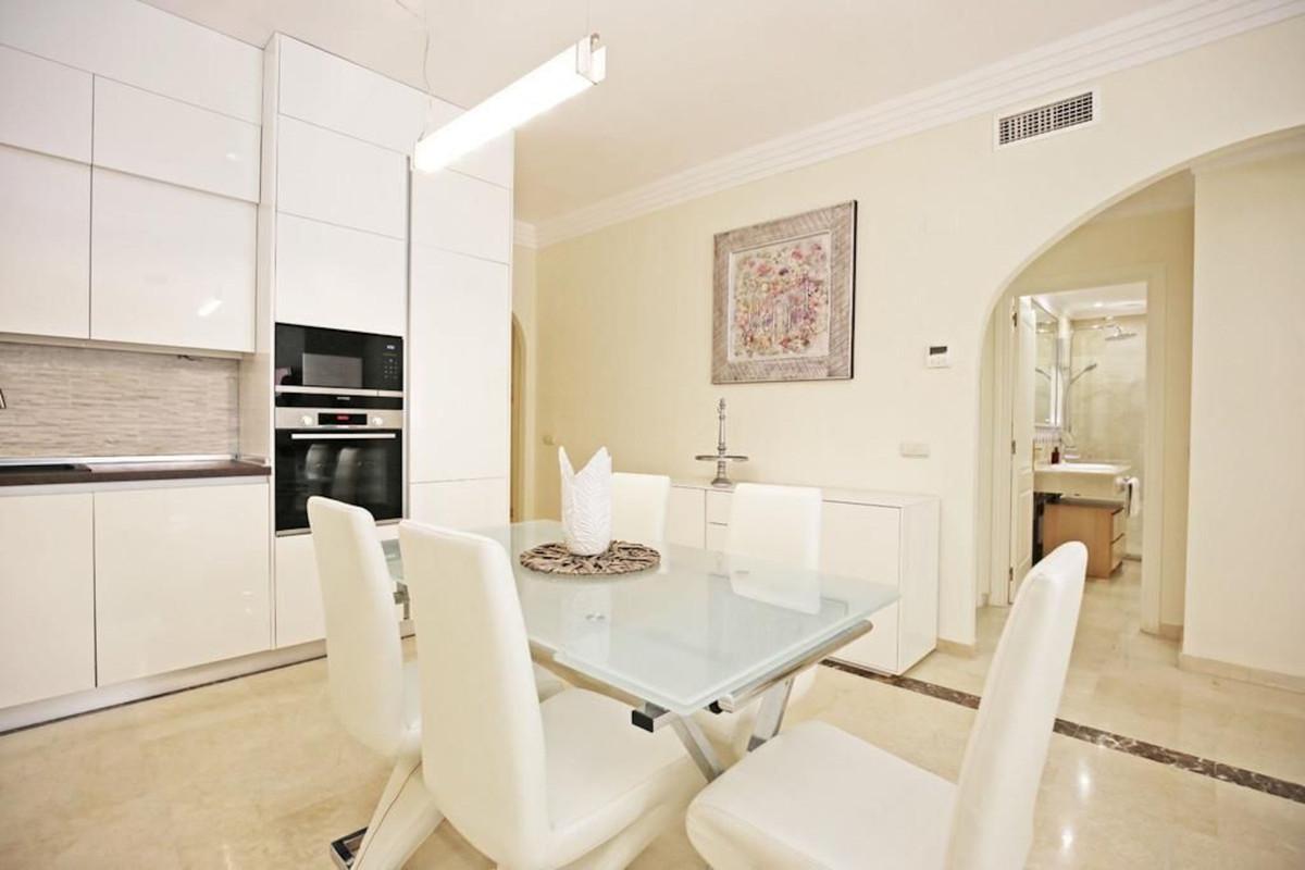 Apartamento Planta Media en Venta en Nueva Andalucía – R3451609
