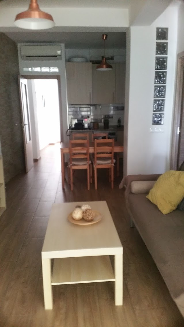 Apartment completely renovated, equipped and furnished, exterior and bright. Panoramic views of both,Spain