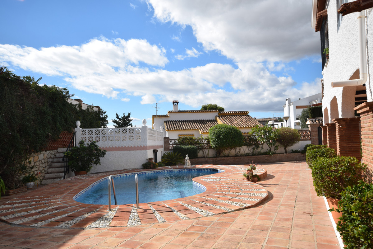 Beautiful villa in Urb Montealto, spacious and comfortable, with spectacular mountain views and a chSpain