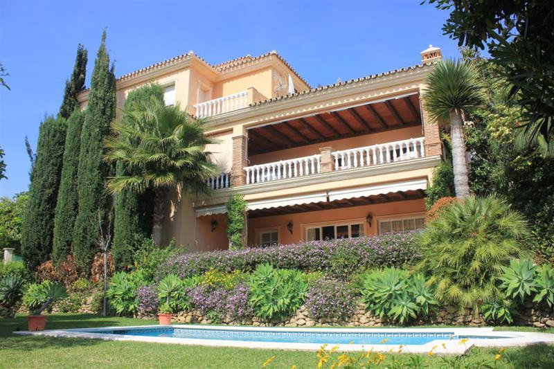 Detached Villa for sale in Calahonda R2413712