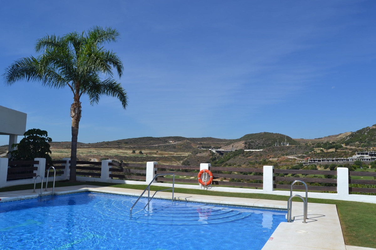 New corner 2 bed/2 bath apartment in Valle Romano. Good size lounge / dining area with plenty of nat,Spain