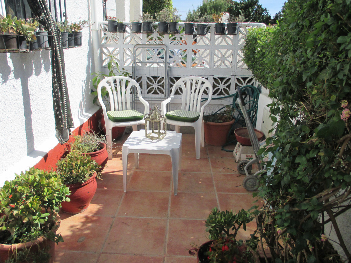 SUBSTANTIALLY REDUCED PROPERTY  *  Town House *  Semi Detached *  Constructed on 2 floors *   Fully ,Spain