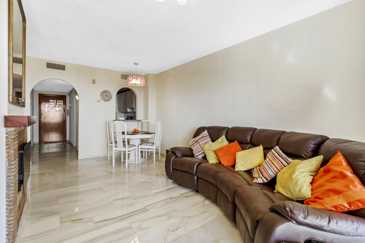 Apartamento en Venta en Calahonda – R3705626