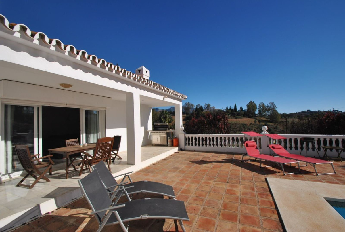 A three bedroom, one level villa in a prestigious road in Mijas Golf offered at a very attractive pr,Spain