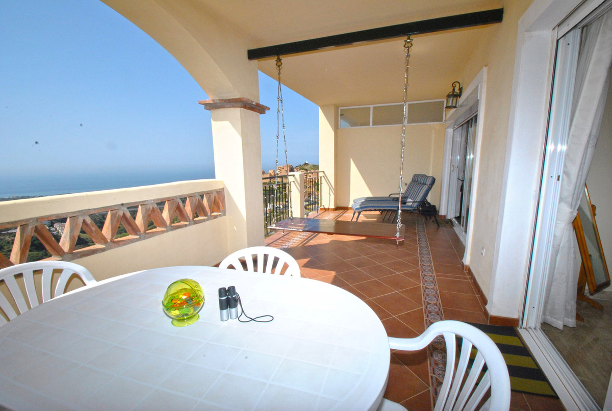 Apartment with panoramic views for sale in Paraiso Calahonda