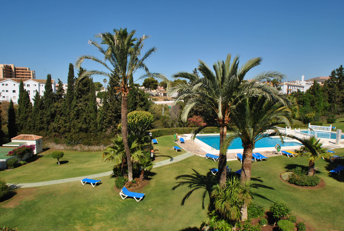 We often hear that LOCATION is everything, well this 2 bedroom apartment in Riviera del Sol, Mijas C, Spain