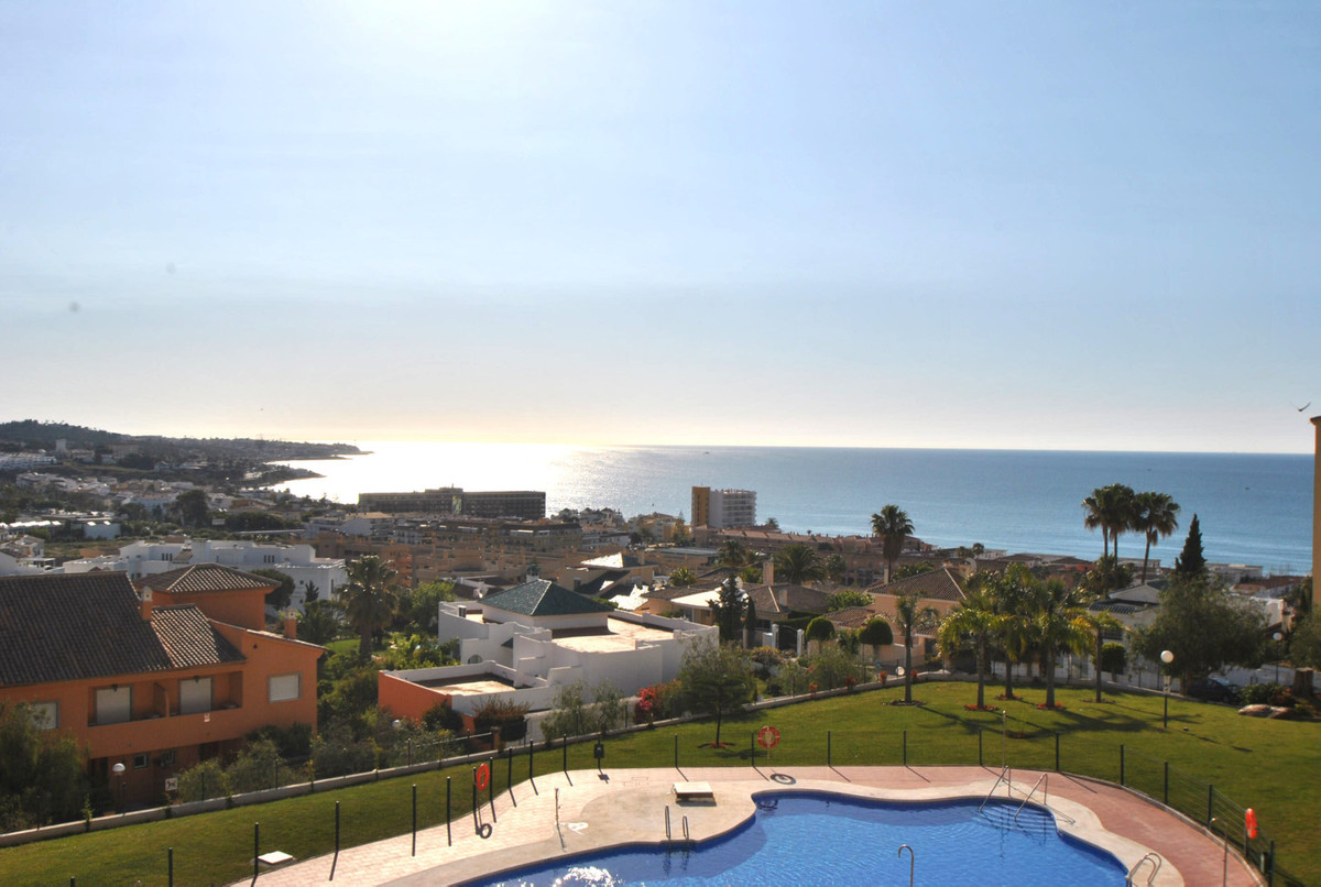 Middle Floor Apartment in La Cala de Mijas