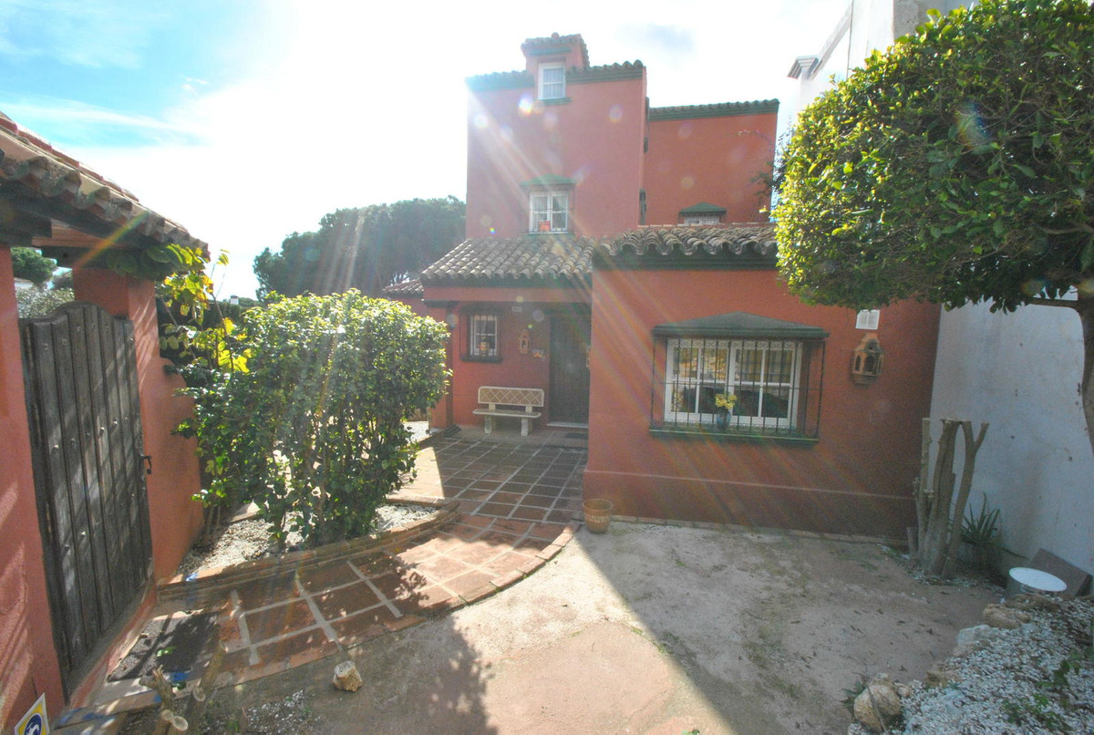A large five bedroom villa set in a small community of just 4 houses located in a cul-de-sac just 50,Spain