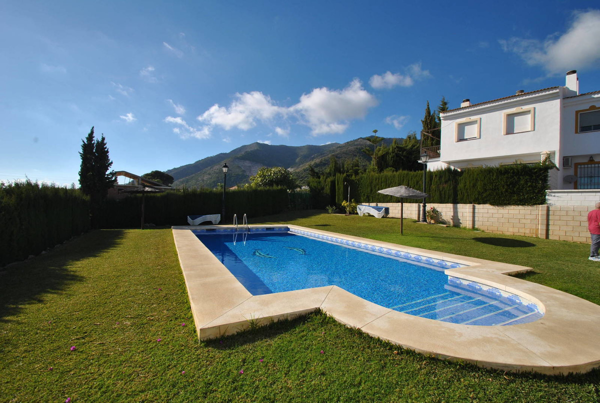 Townhouse for sale in Mijas R3043820