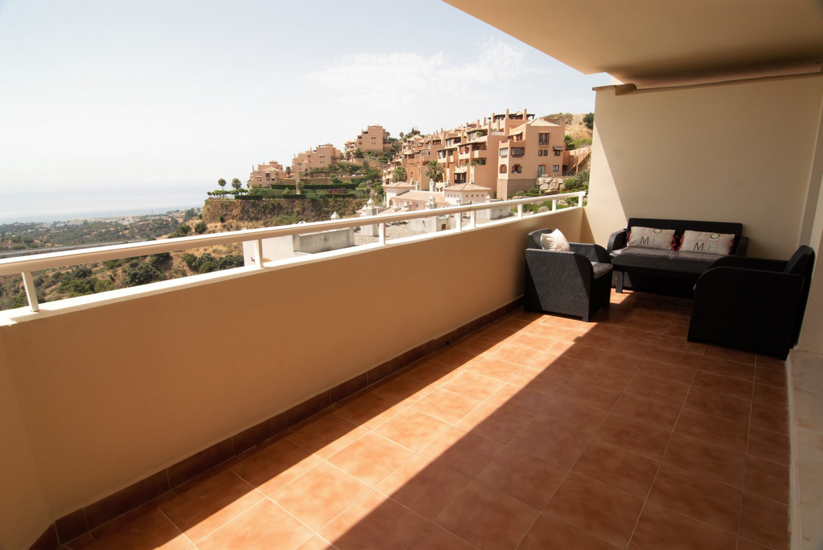 Fully upgraded 2 bedroom, 2 bath apartment with open sea views in a nice complex that offers communa, Spain
