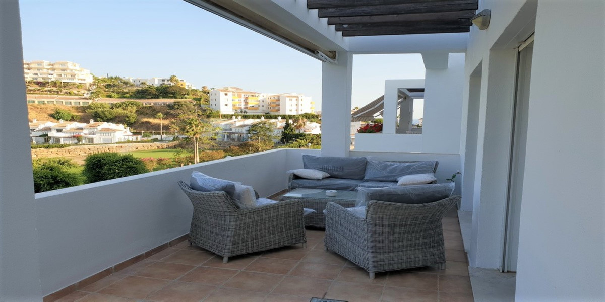 A simply fabulous penthouse apartment in a prestigious complex situated walking distance to amenitie, Spain
