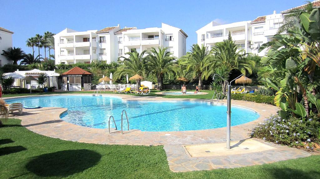 Miraflores garden apartment for sale